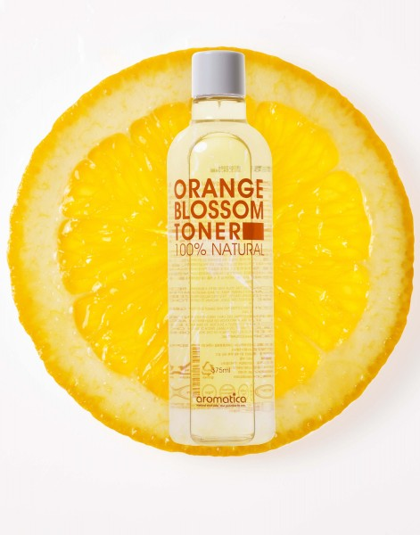 aromatica甜橙淨化爽膚水,有效舒緩敏感皮膚,提昇肌膚亮白度及光澤感,為您打造健康亮麗肌膚的第一步!