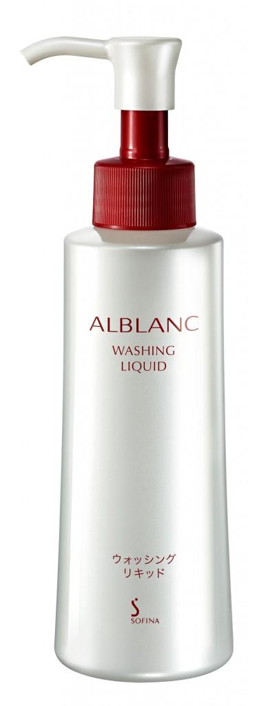 Sofina ALBLANC Washing Liquid 2,800日元/150ml 蘊含50%高效美容成分,泡沫豐富細膩。
