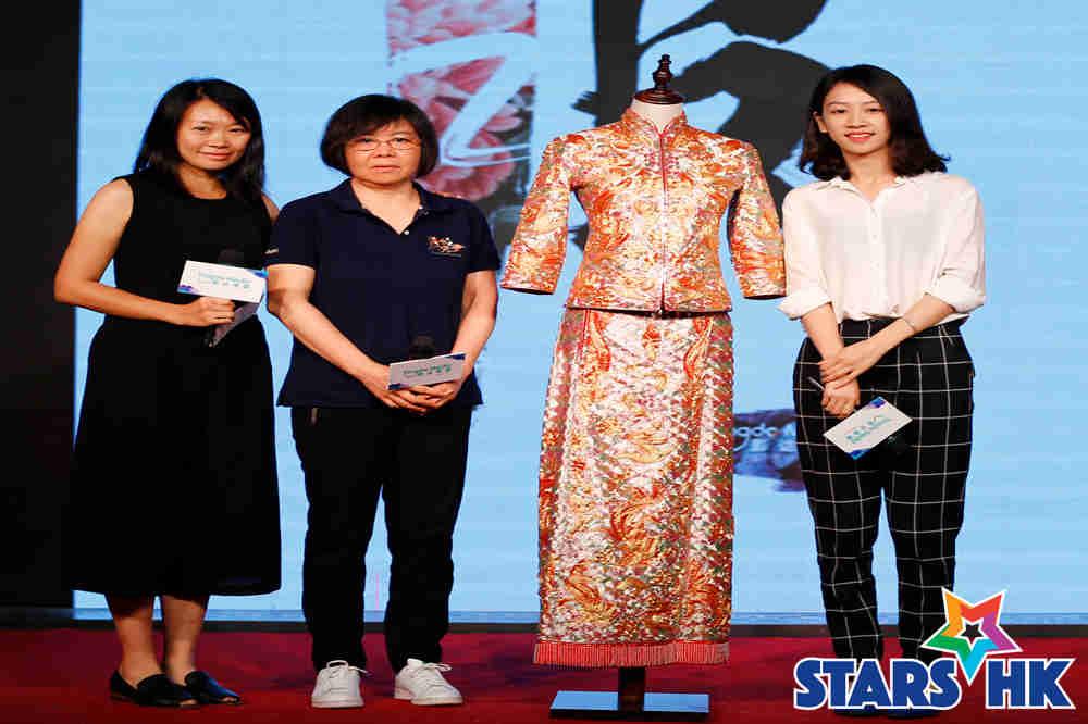 服装里中国 制片人 李渊 和红萤绣庄成员