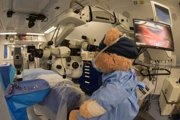 奧比斯的義務眼科醫生來自30個國家,超過400位世界級的醫療專業人員