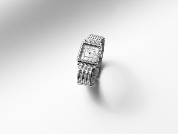 GUESS WATCH簡約水晶方形錶殼搭配雅緻鋼網錶帶