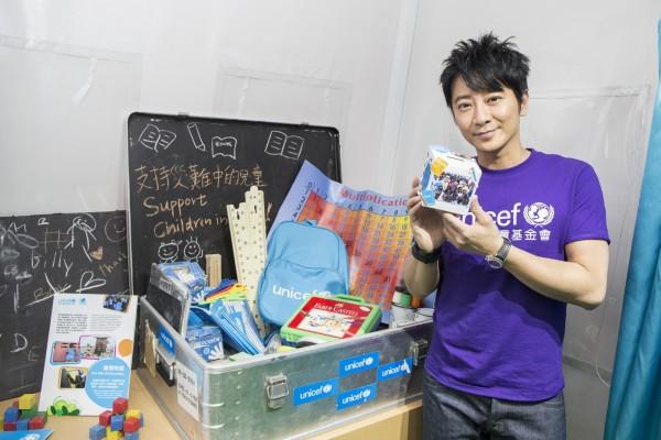 UNICEF HK大使郭晶晶女士和孫耀威先生齊齊響應「布施行動」,參與設計「布施籌款箱」2