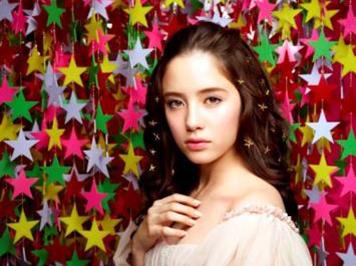 今季系列採用氣質模特「琉花」作宣傳,廣告將於11月底推出。