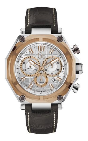 以真皮皮帶配上簡約又實用的多功能運動型錶盤