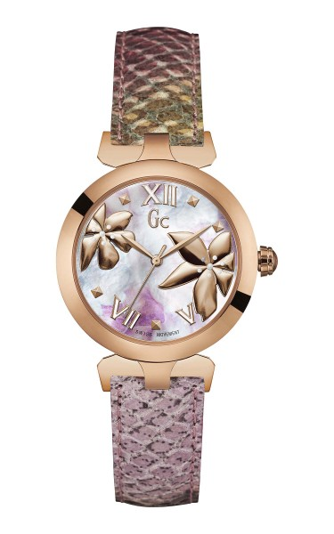 Gc這款全新、色彩鮮艷的蟒蛇紋粉彩腕錶,帶你和摰愛深入浪漫國度